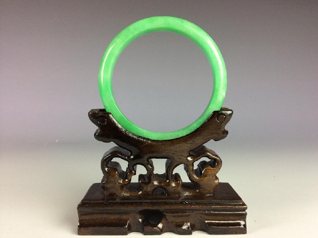 Fine Chinese jadeite bangle - 2