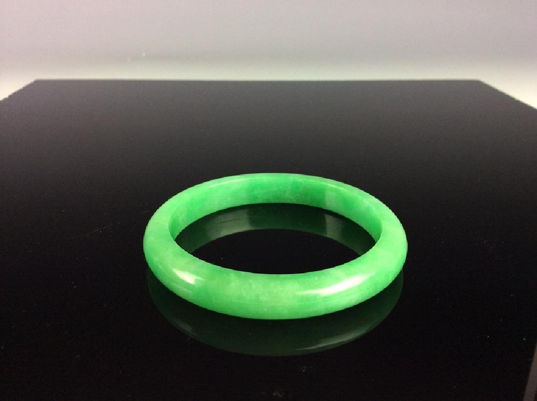 Fine Chinese jadeite bangle - 3
