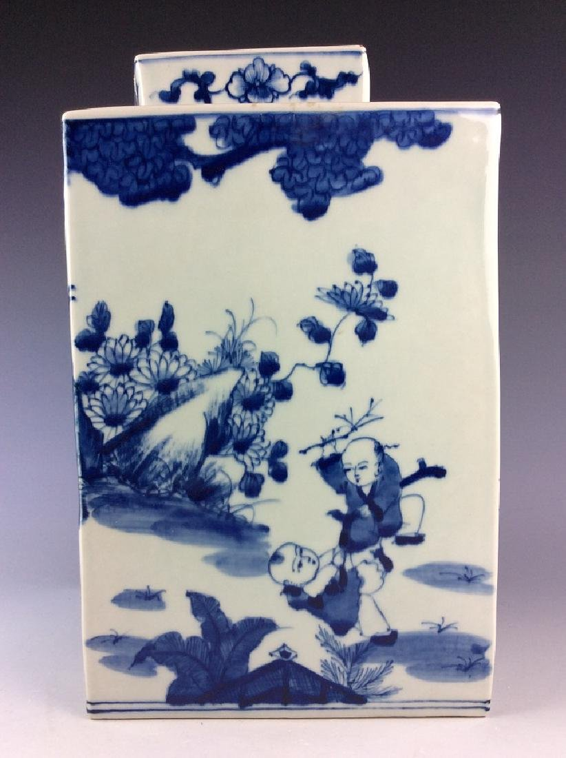 Chinese porcelain pot with lid, blue &  white glazed, - 4