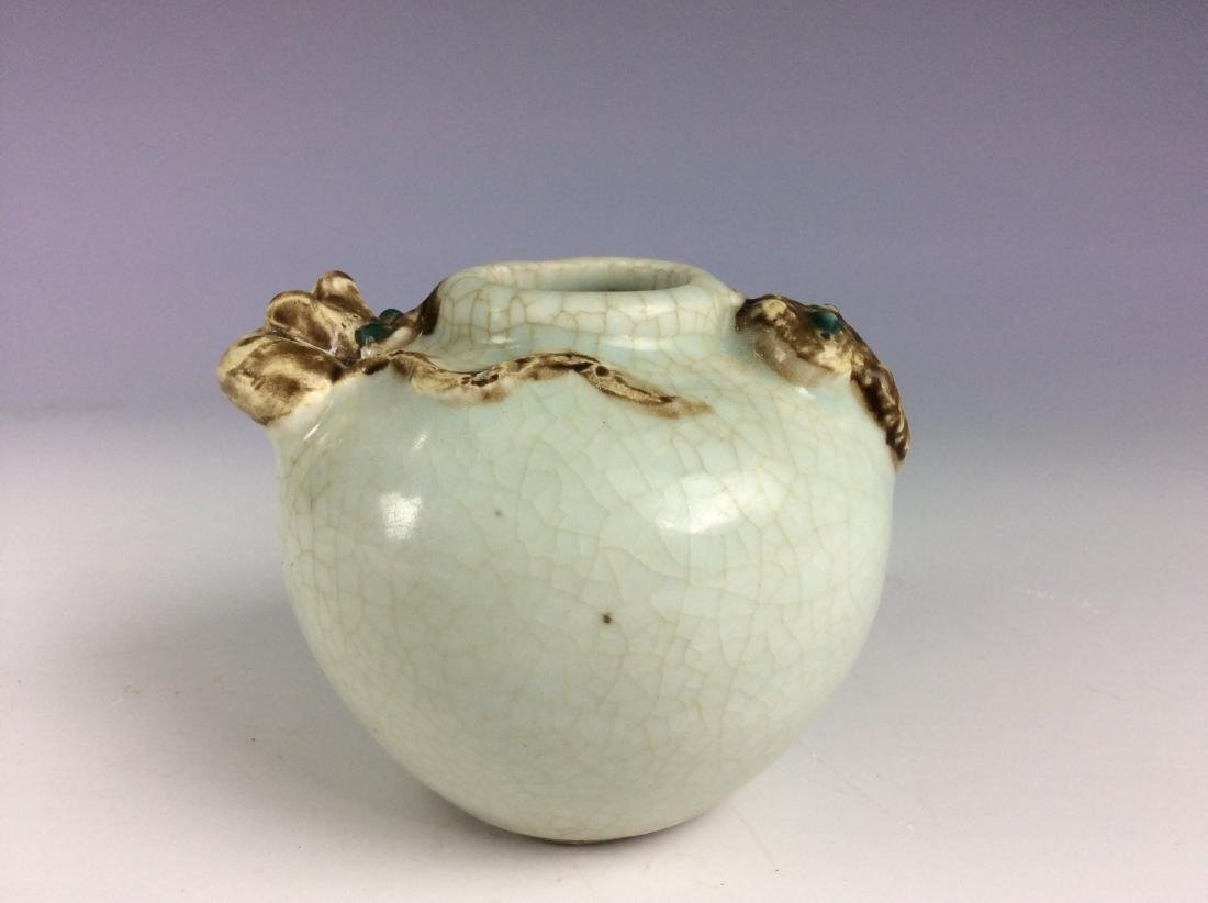 Chinese crackled galze pot  with embossment of snake