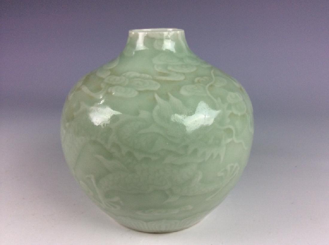 Chinese porcelain vase, celadon glazed, decorate & - 2