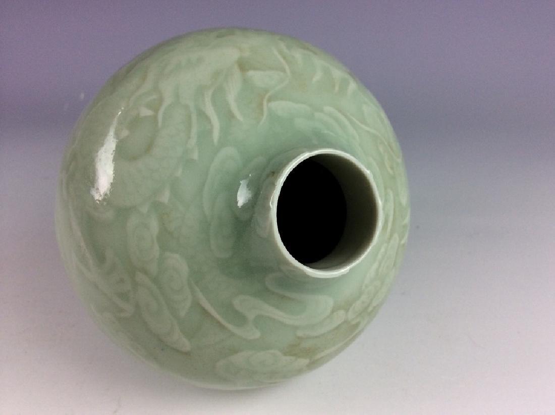 Chinese porcelain vase, celadon glazed, decorate & - 4