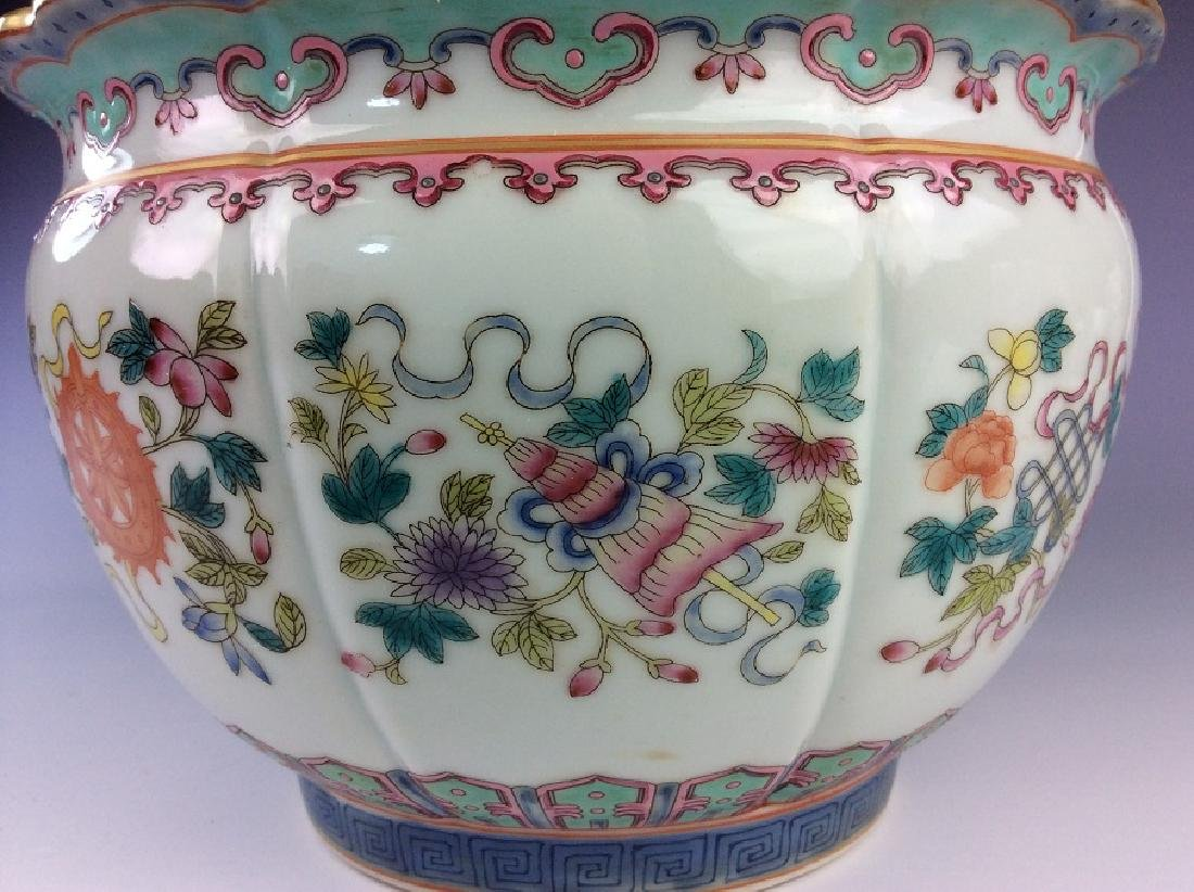 Pair of Chinese pots with eight auspicious - 7