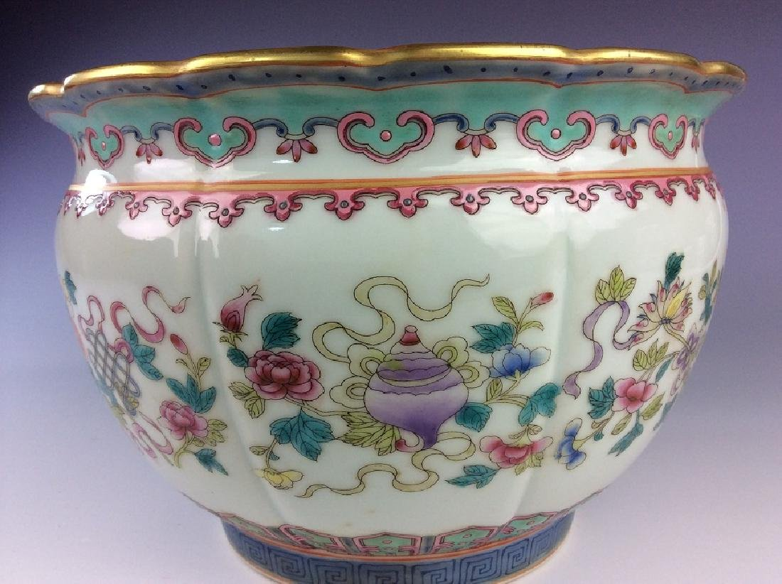 Pair of Chinese pots with eight auspicious - 8