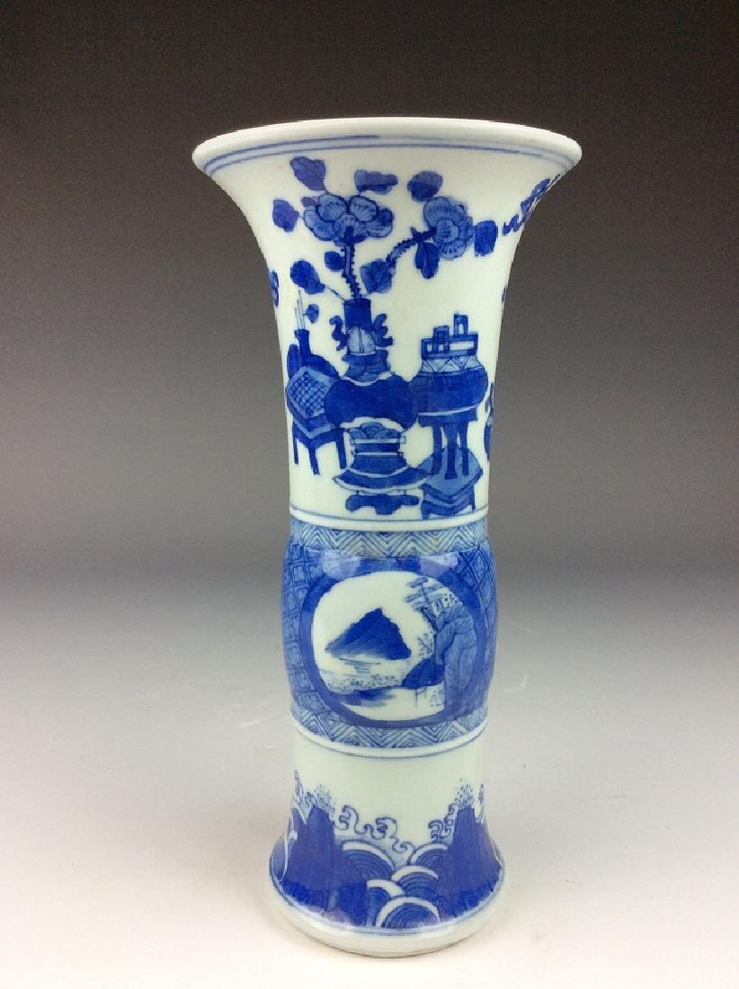 Chinese porcelain vase, blue & white glaze, mark