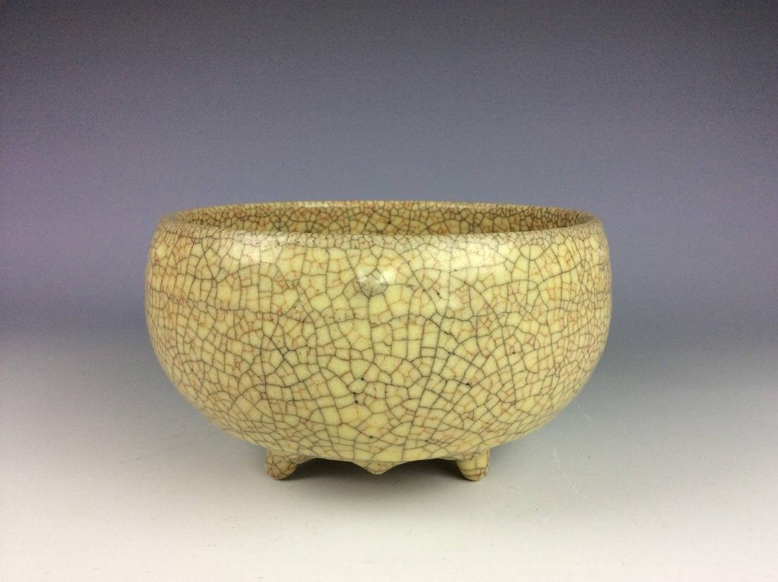 Song Gu style Chinese porcelain bowl, crackle line
