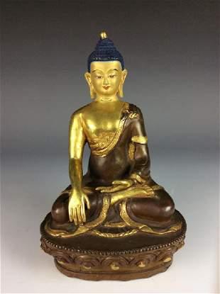 Rare Chinese giltbronze buddha figure