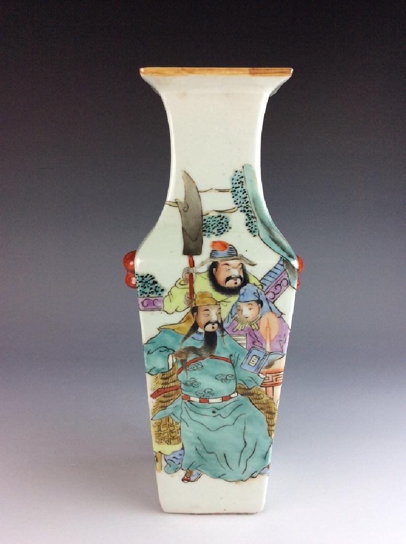 Chinese porcelain vase,  Famille rose glazed, decorated