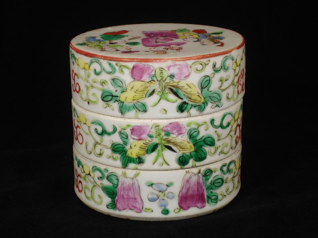 Chinese porcelain boxes, famille rose glazed