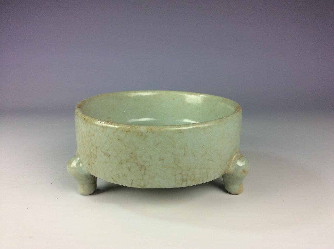 Chinese celadon crackled glaze tripod washer with mark - 2
