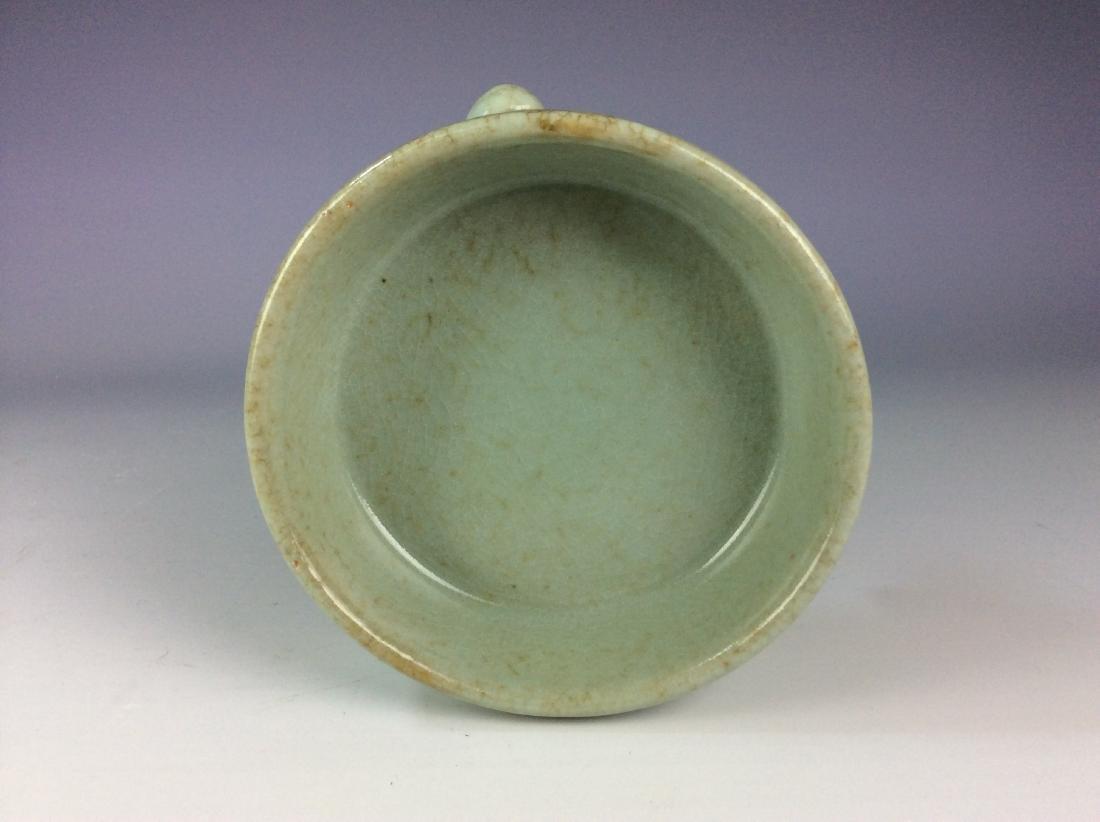 Chinese celadon crackled glaze tripod washer with mark - 5