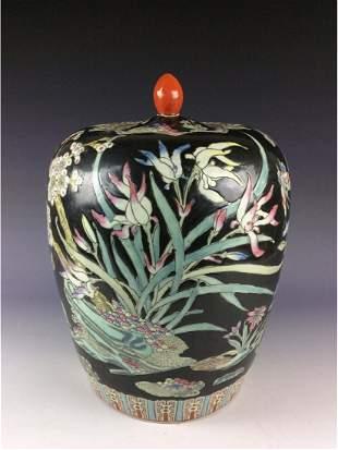 Vintage Chinese porcleian jar black ground with Wucai