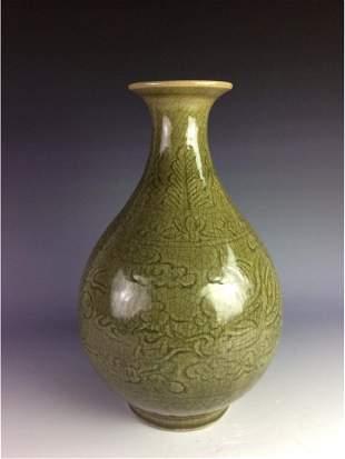 Chinese celadon crackled glazed vase decorated with