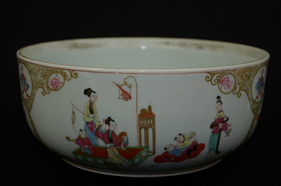 Large Chinese export porcelain flowerpot/planter