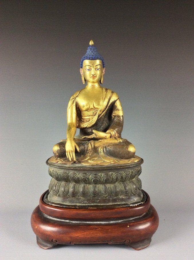 Exquisite Chinese Tibetan Gilt Buddha Statue with Wood
