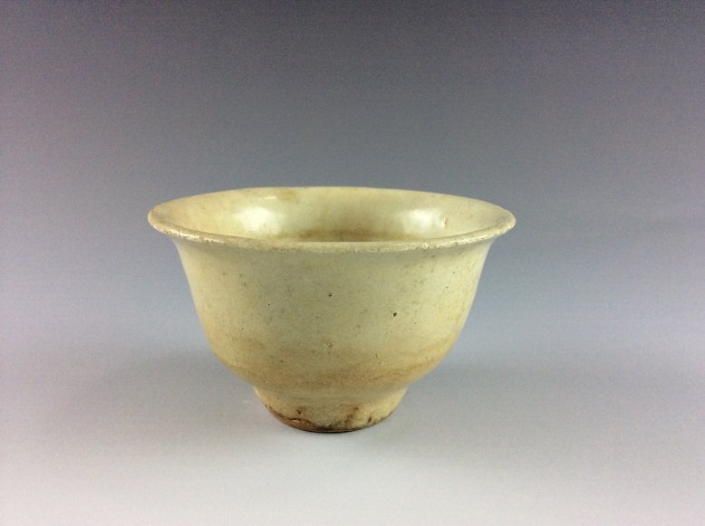 Vintage possible 10C Tang period Chinese white glazed