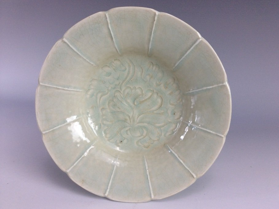 Vintage possible 13C Song / Yuan Chinese celadon
