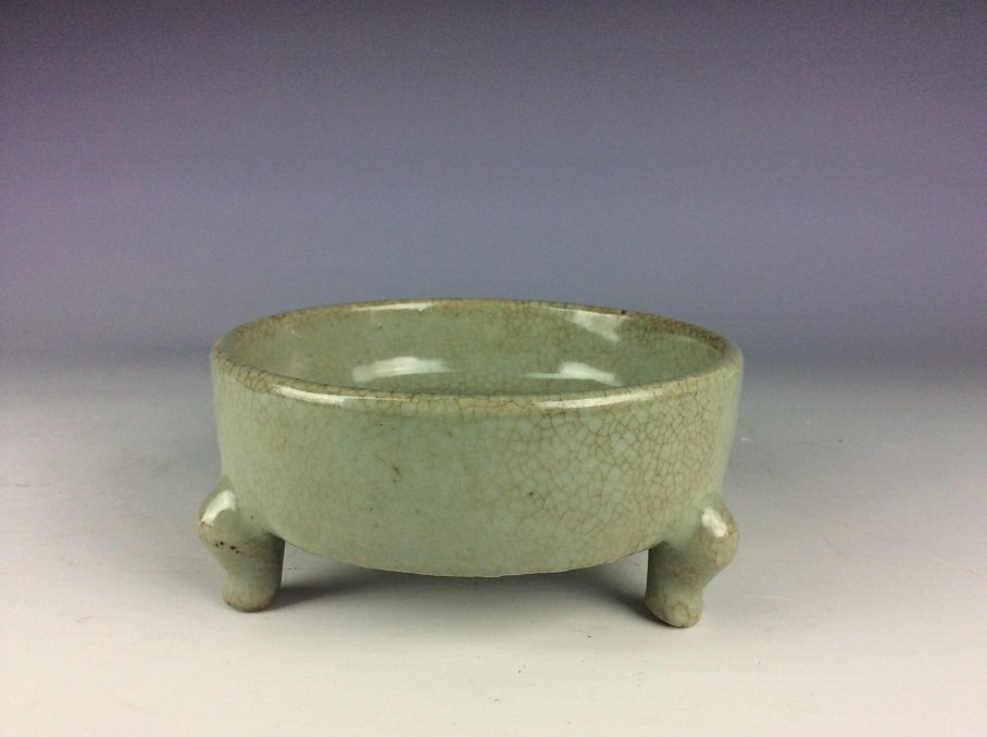Rare Qing period, fine  Chinese porcelain censer, Guan - 4