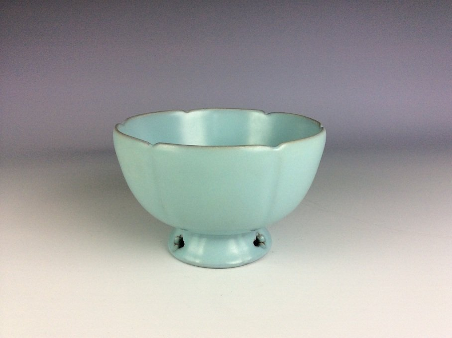Song style Ru klin Chinese porcelain bowl,