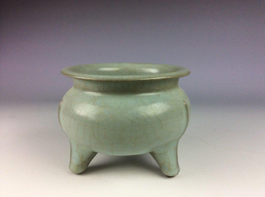 Chinese longquan celadon glazed porcelain censer