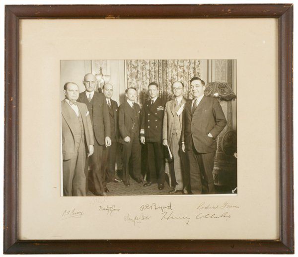 3016: 1940 Photograph Signed R.E. BYRD + Six Others