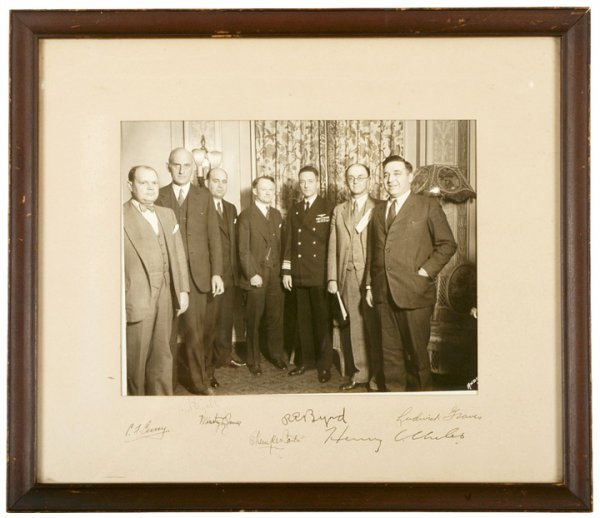 22: 1940 Photograph Signed R.E. BYRD + Six Others