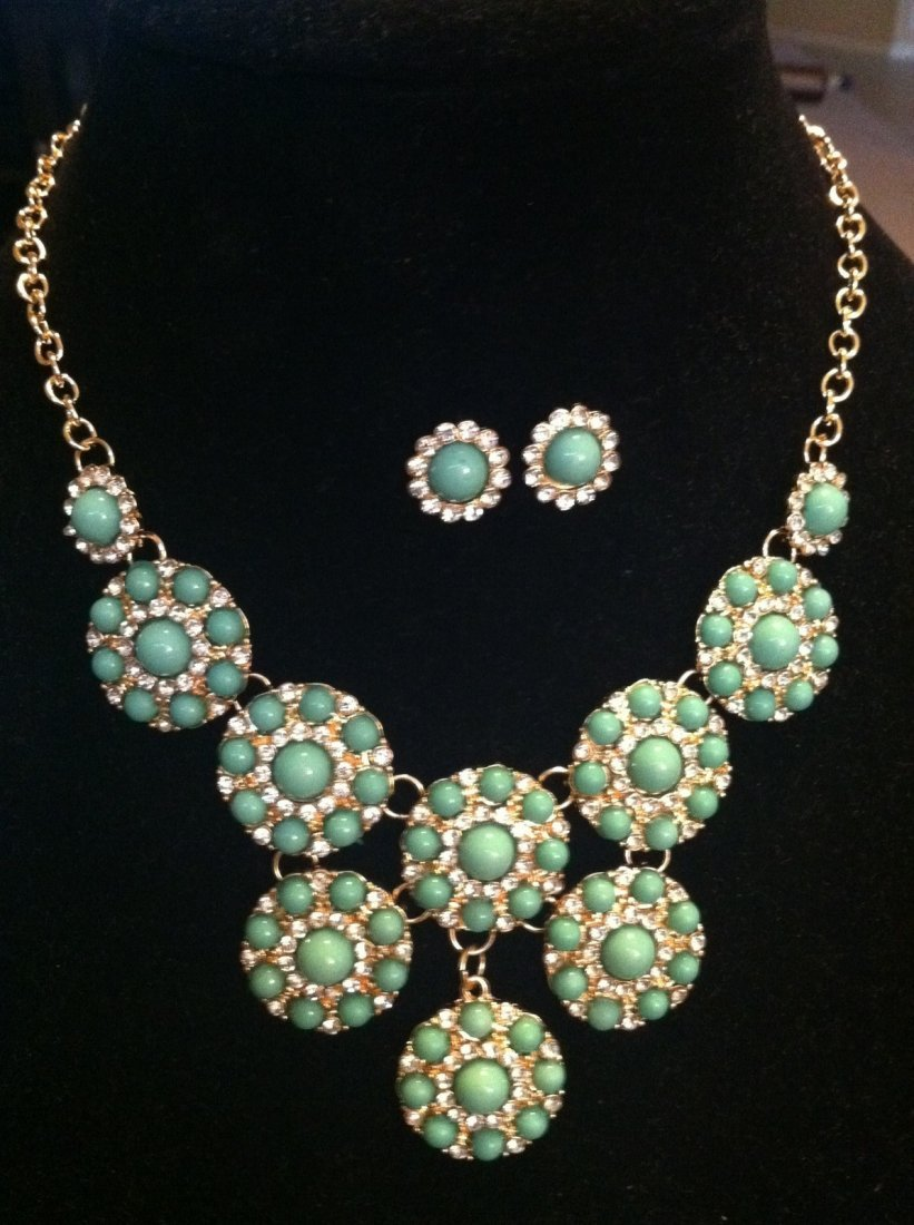 Turquoise Color Bead Necklace & Stud Earrings
