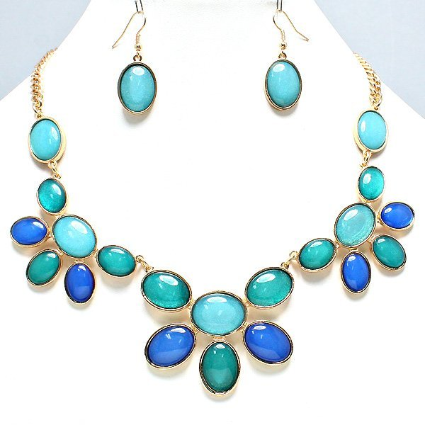 Fashion Necklace w/ Matching Earrings
