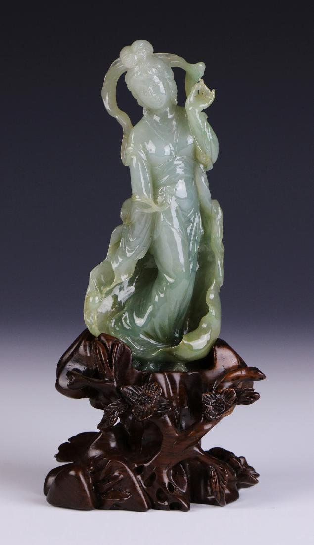 A CHINESE JADEITE CARVED BEAUTY