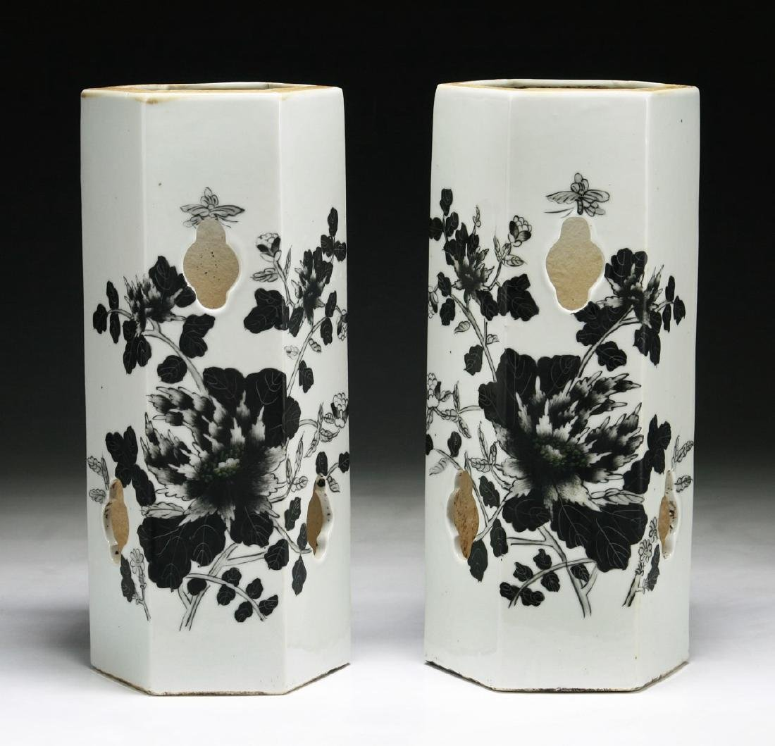 PAIR OF CHINESE ANTIQUE GRISAILLE PORCELAIN BRUSHPOTS