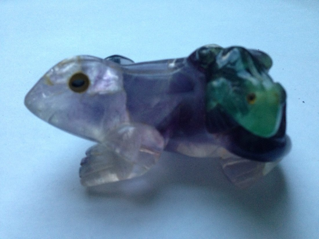 Fluorite frog