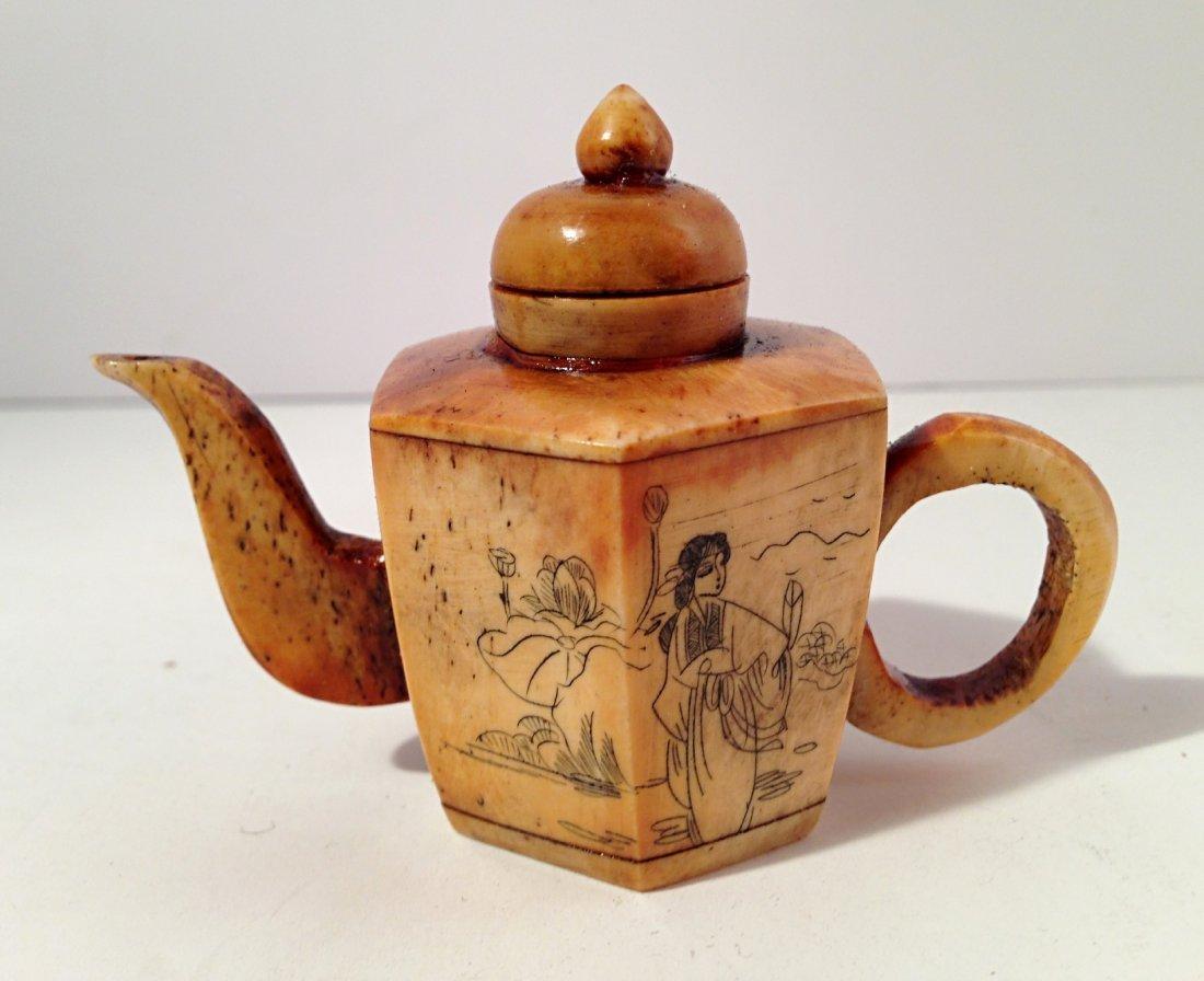 OX bone teapot style snuff bottle