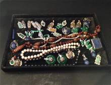 LARGE GROUP OF JEWELRY & JADE