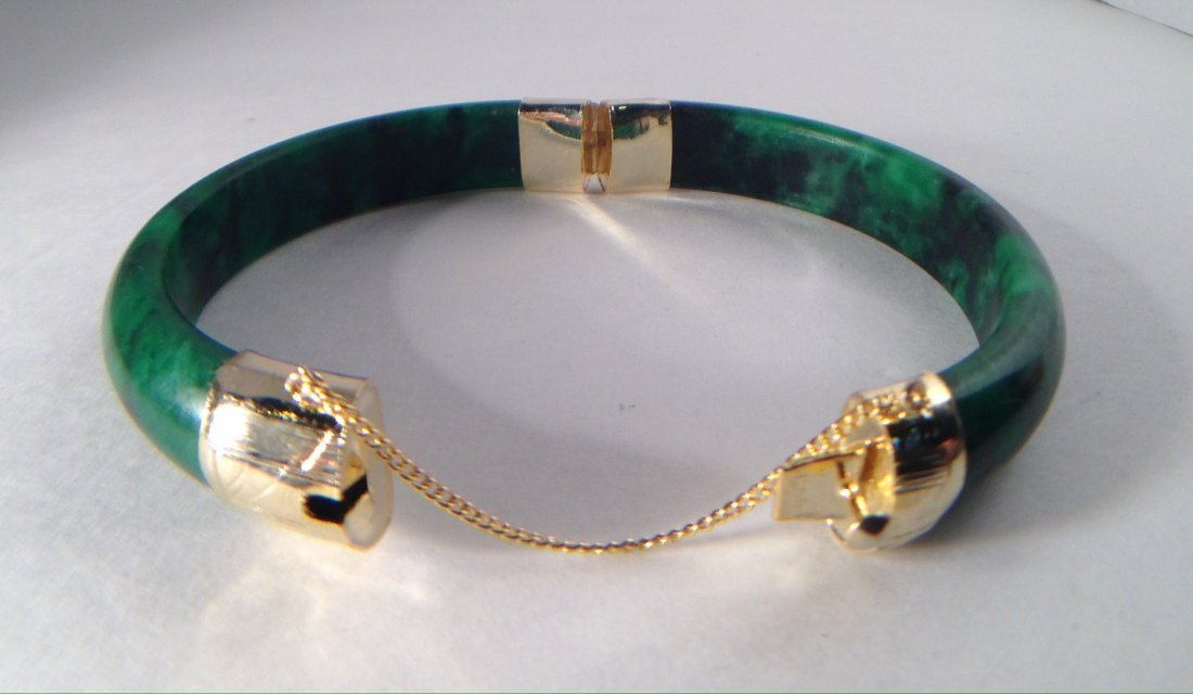 CHINESE GREEN JADE BRACELET WITH CLASP - 2