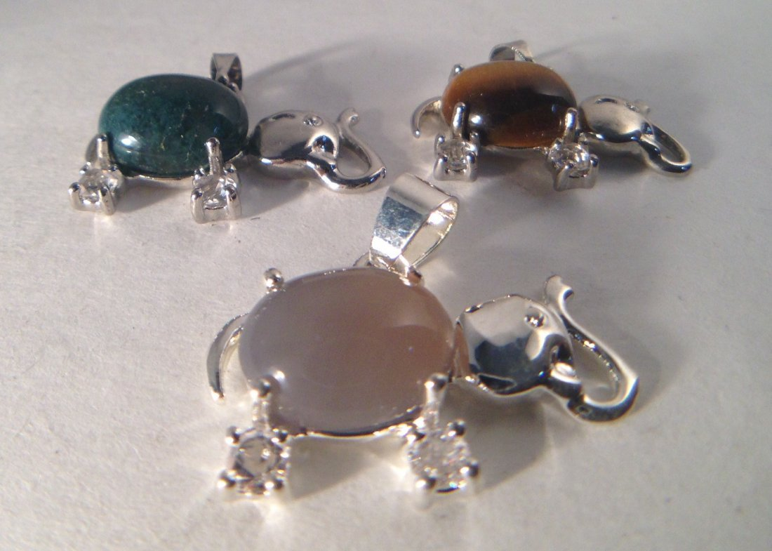 GROUP OF AGATE , TIGER EYE STONE PENDANTS - 2