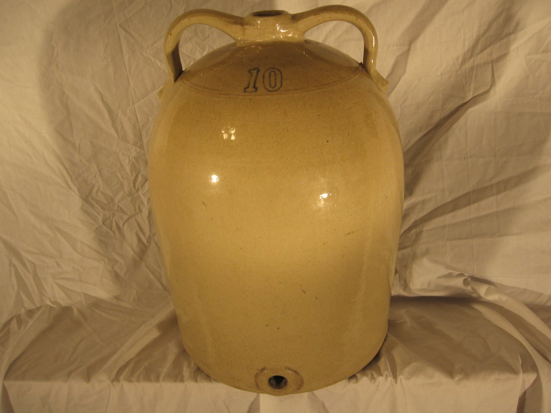 10 GALLON BEEHIVE DOUBLE-HANDLED WATER COOLER-