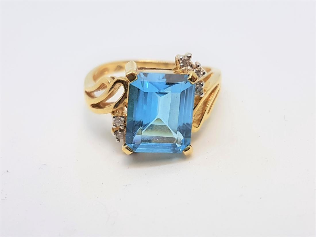 VINTAGE BLUE TOPAZ DIAMOND RING