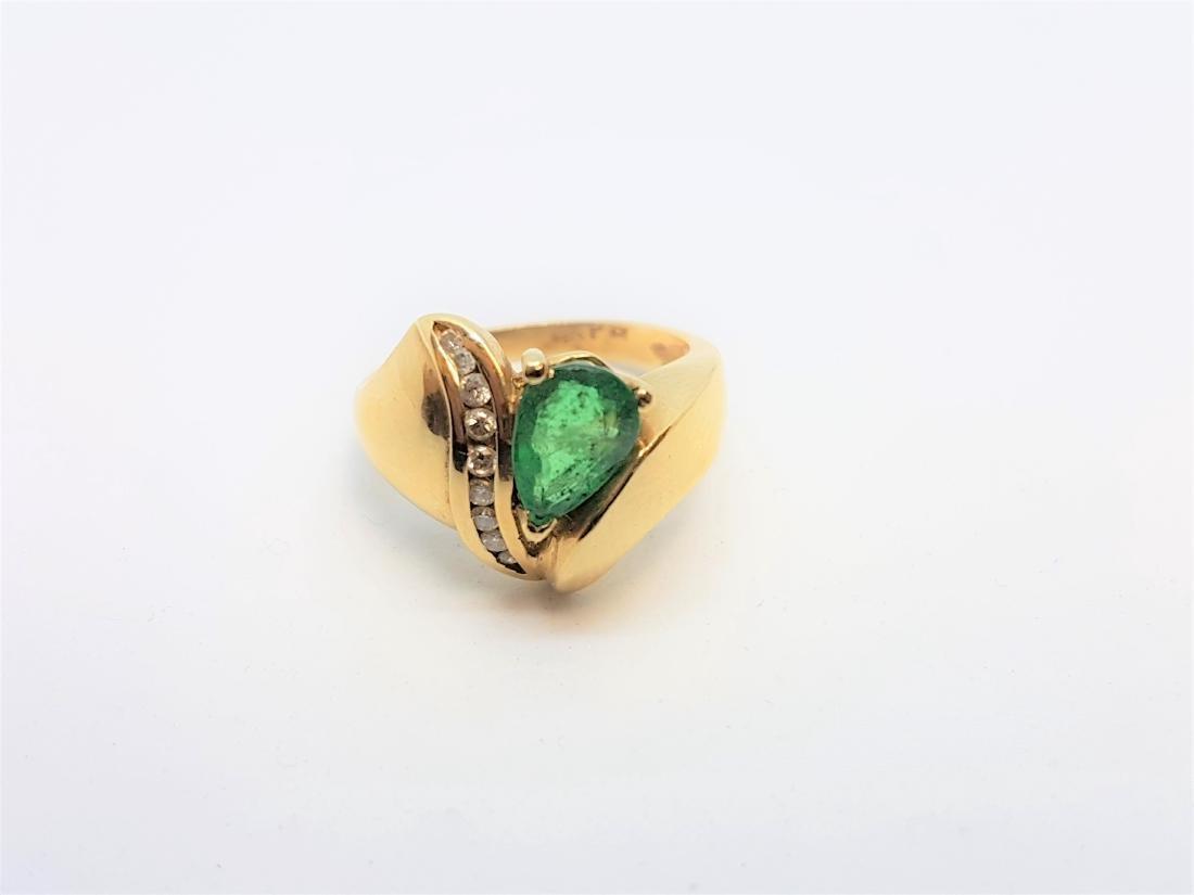 VINTAGE 14K YELLOW GOLD EMERALD DIAMOND RING