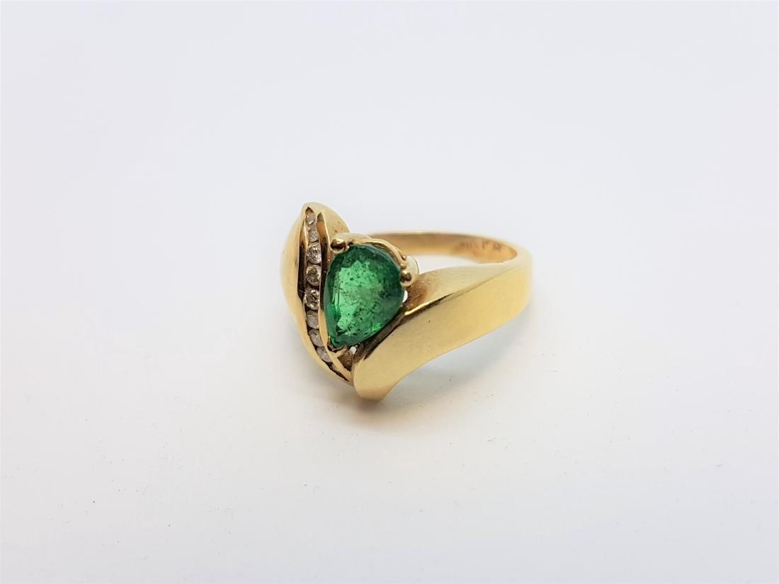 VINTAGE 14K YELLOW GOLD EMERALD DIAMOND RING - 3