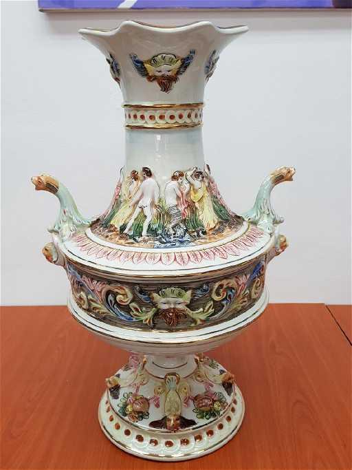 R Capodimonte Italy Porcelain Vase