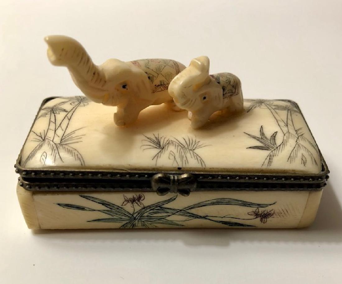 Early Scrimshaw BONE Elephant Trinket Jewelry Box