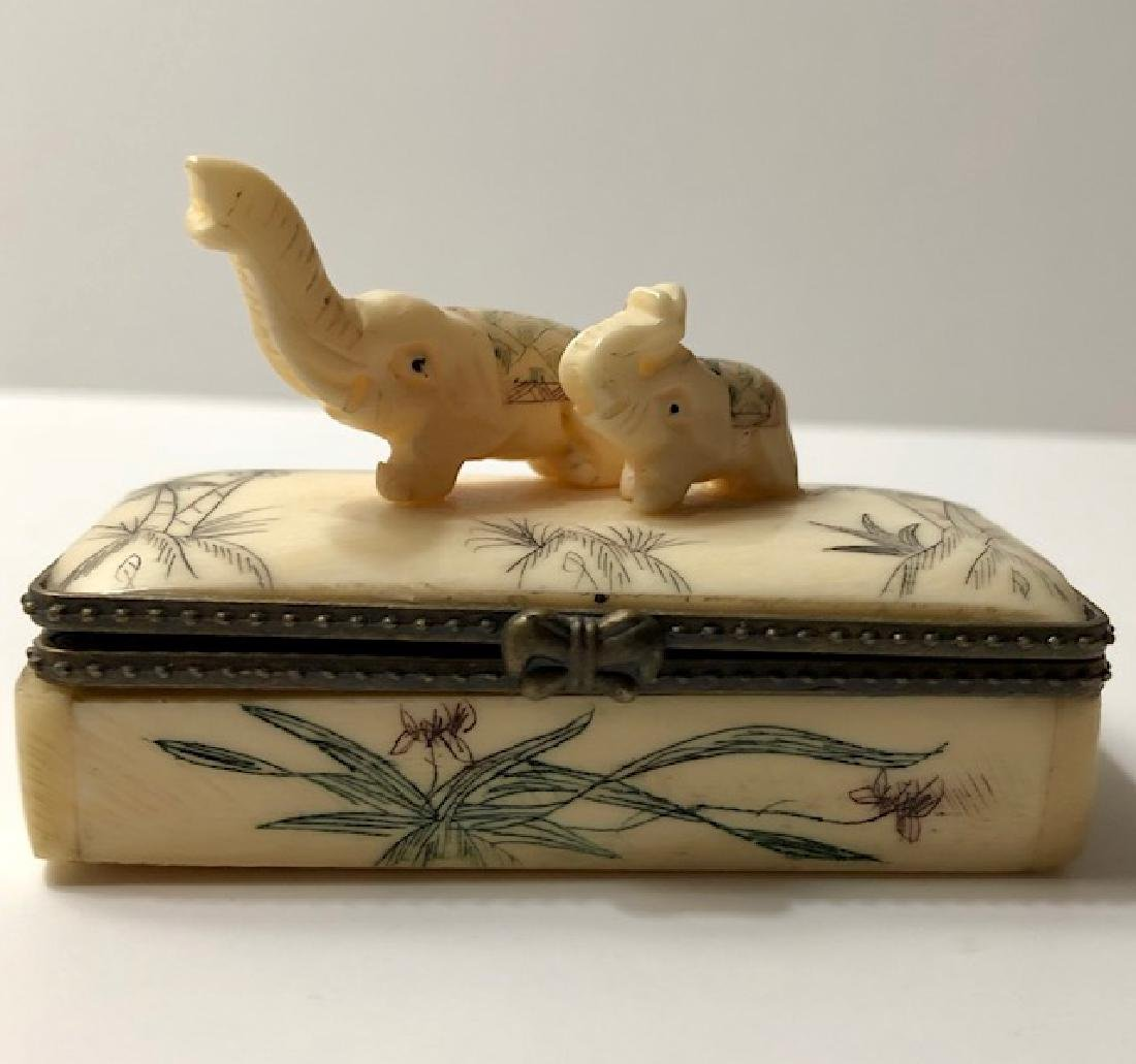 Early Scrimshaw BONE Elephant Trinket Jewelry Box - 2