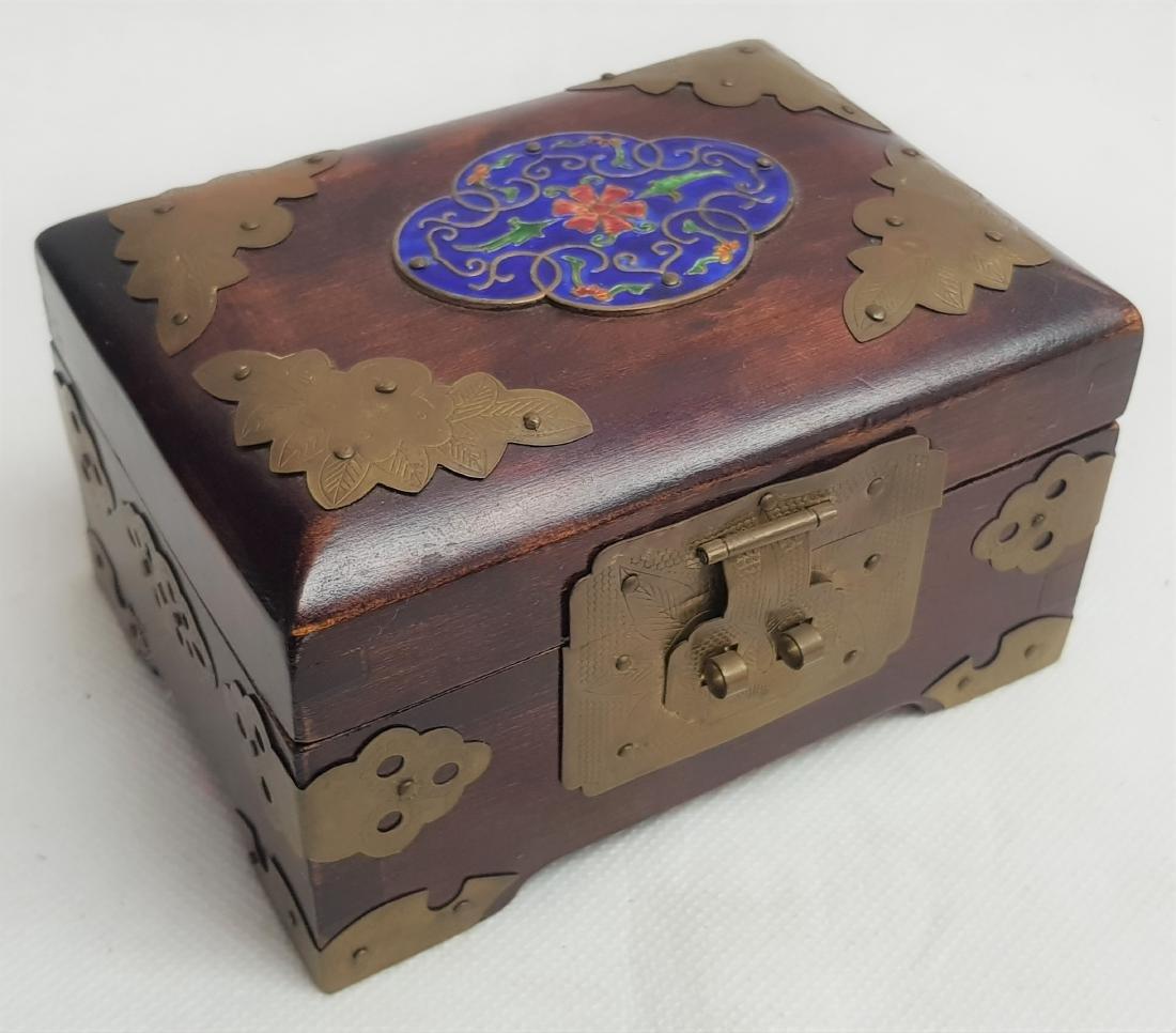 ANTIQUE CHINESE JEWLERY BOX