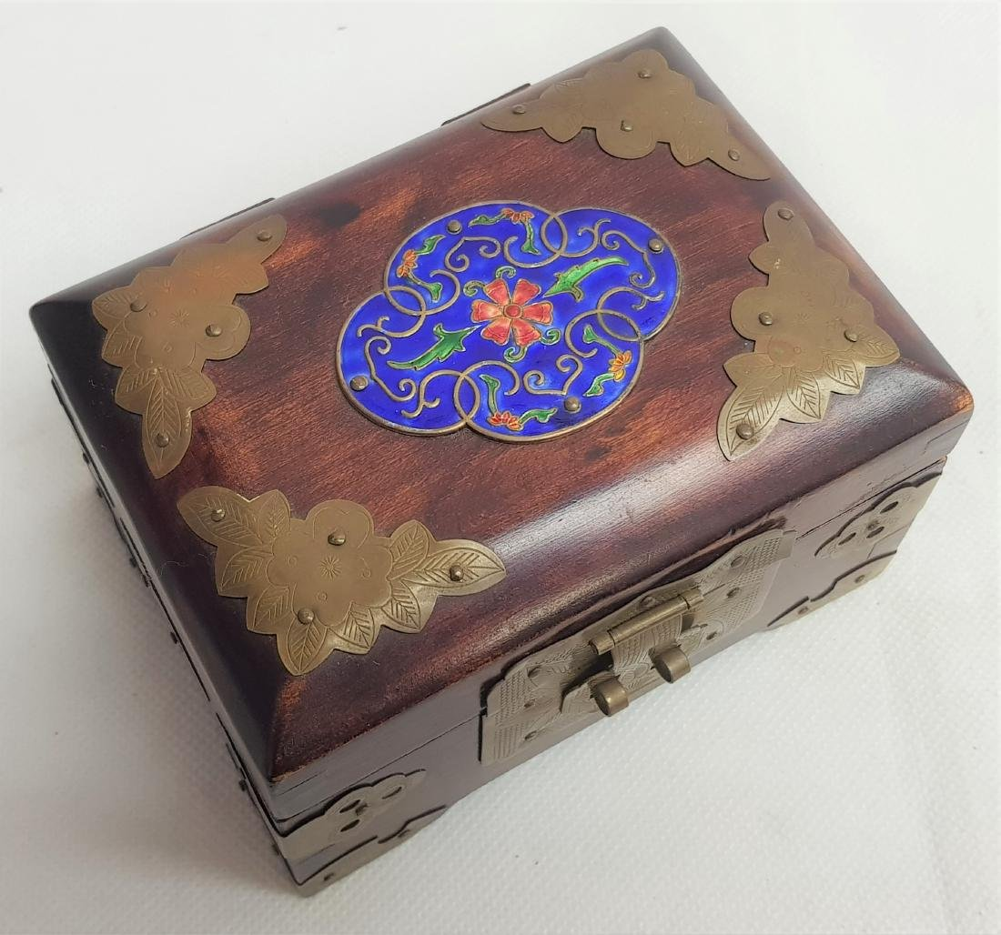 ANTIQUE CHINESE JEWLERY BOX - 2