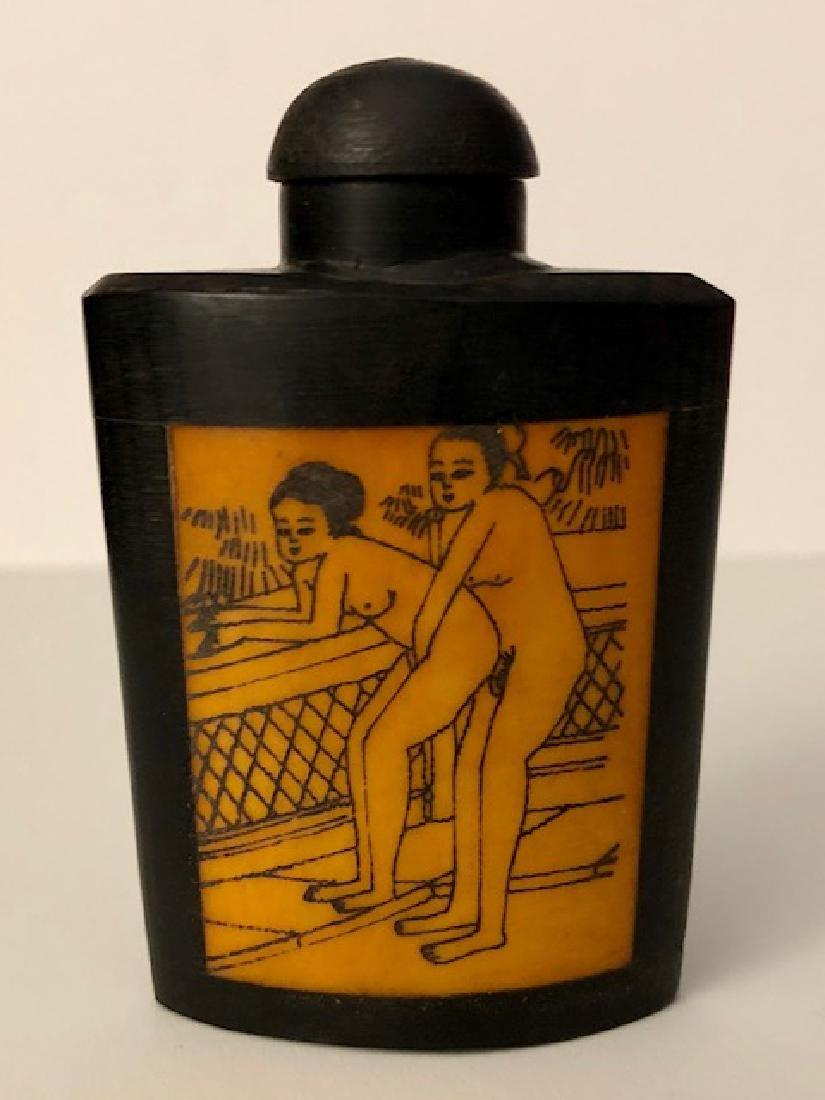 Vintage BONE Erotic Chinese Scrimshaw Snuff Bottle