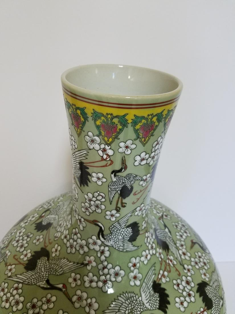 ANTIQUE CHINESE HAND PAINTED SIGNED PORCELAIN VASE - 4