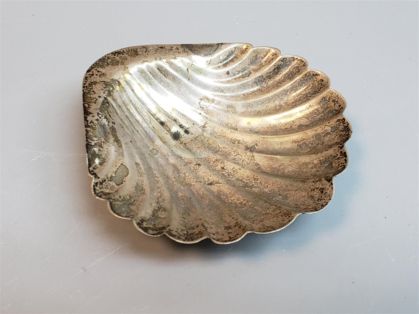 ANTIQUE STERLING SILVER SHELL TRAY