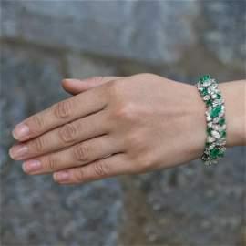 Van Cleef & Arpels 18 Carats Emeralds 30 Carats White