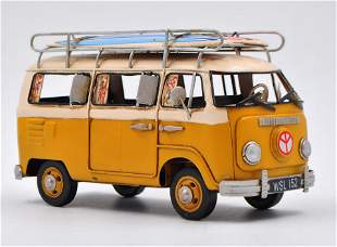 VW Minibus Surfboard Décor