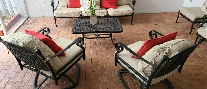 4 piece Patio furniture with pillows